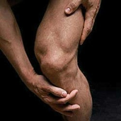 Runner's knee is the most common type of running injury. (Image from spacecoastmedicine.com)