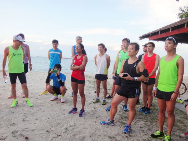 Runners are listening intently to Derek.