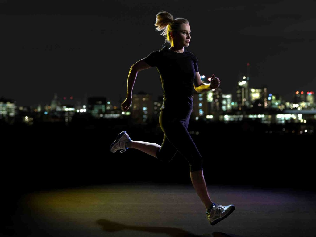 Ben advises runners to do a few training sessions at night, but not all. [Photo source www.atriathletesdiary.com]