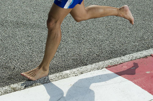 Is trying barefoot running techniques good for you?