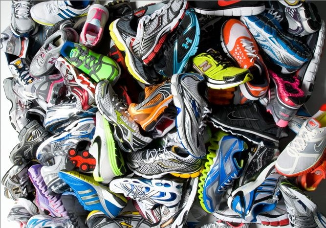 How do you know which running shoes to pick? [Photo from www.thelongrun.com.au]