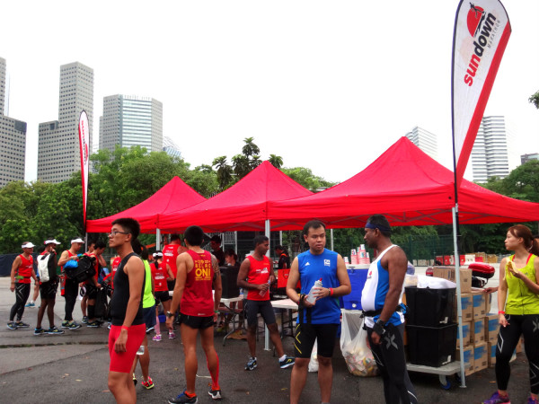 Participants waiting for the OSIM Sundown Marathon Second Lead Up Run to start.