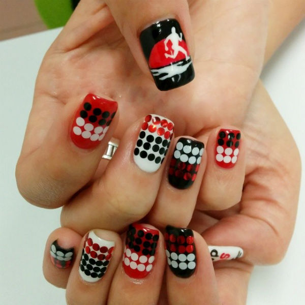 Shannon's Sundown Marathon themed nails.