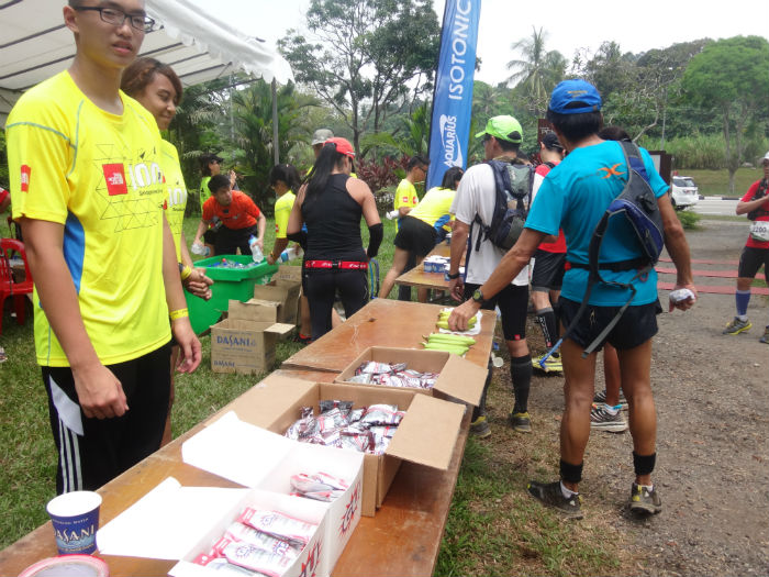 A buffet of energy gels and bananas for exhausted runners.