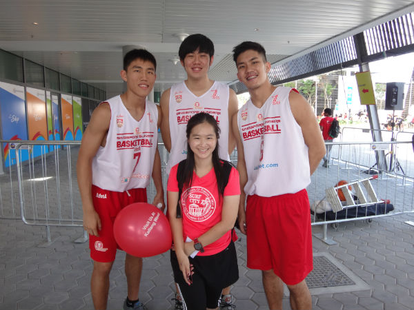 With the Singapore Slingers.