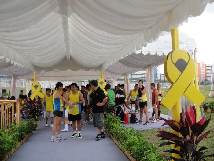 yellow_ribbon_prison_run_marathon_running